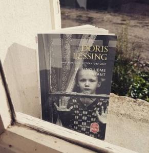 Le cinquième enfant de Doris Lessing (éditions Le livre de poche)
