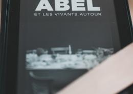 Et autour les vivants de Barbara Abel (éditions Belfond)