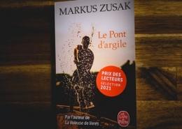 Le pont d'argile de Markus Zusak (éditions Le livre de poche)